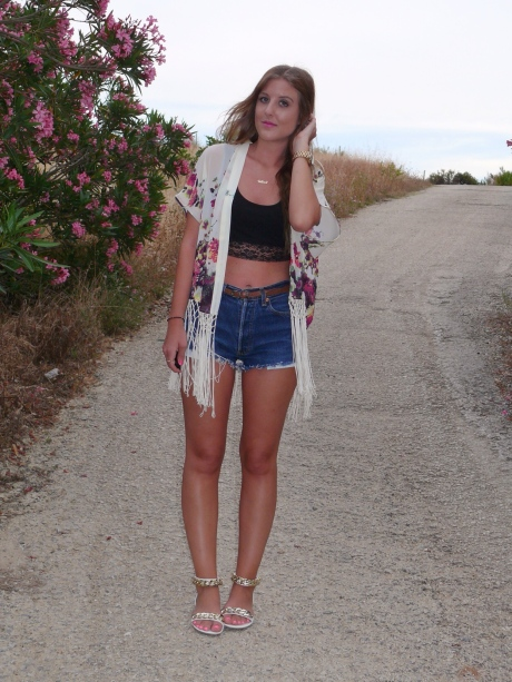 UK_fashion_high_street_blog_new_look_festival_style_outfit_kimono_crop_top_sandals_summer_gillian_lee_rose_gillianleerose